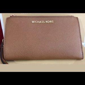 NWOT Michael Kors Double- Zip Wallet